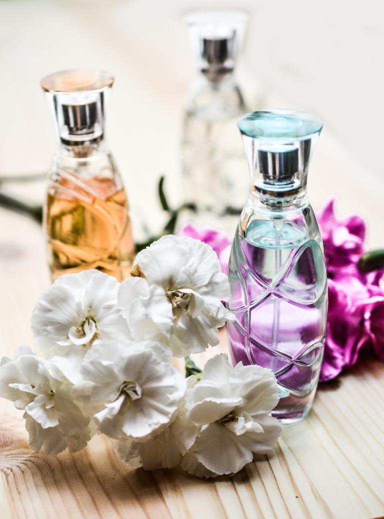 perfume-1433656_1920